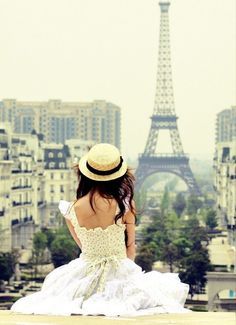 That's a French kind of style that would definitely look lovely on L! | #Honeymoons to #France http://www.pinterest.com/FLDesignerGuide/honeymoons-to-france/