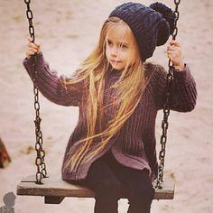 such a cute girl ^_^