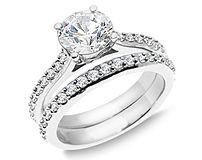 ahhhh, diamonds really are a girls best friend... and I wanna be friends with this ring :)