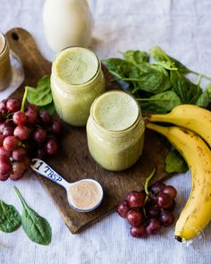 Almond Butter and Jelly Green Smoothie