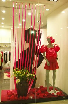 mothers day display windows | 11 Examples of Maternity and Mother's Day Window Displays