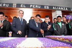 imagen por prensa club Alianza Lima     DULCE MIDIÓ 15 METROS     Como parte de los festejos con motivo del mes de octubre, mes del señor...