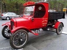 1923 FORD MODEL T DUMP TRUCK