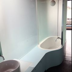 Architect Glenn Irani's house in the Venice Canals: master bath