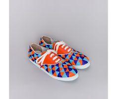 Handmade beaded sneakers  http://www.twinsforpeace.com/201-617-thickbox/gacha-inca.jpg