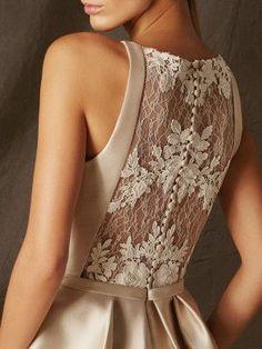 BOGOTA destaca por ser un vestido de fiesta corto muy fresco, elaborado en mikad. Bridal Dresses, Bridesmaid Dresses, Prom Dresses, Formal Dresses, Dresses Dresses, Dance Dresses, Fashion Details, Fashion Design, Mode Outfits