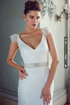 Such a beautiful & classy wedding dress   CHECK OUT MORE IDEAS AT WEDDINGPINS.NET   #weddings #weddingdress #inspirational