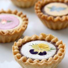 edible flowers on tartlets