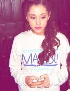 "ariana grandeI just love how her ""simple"" look is still gorgeous <3  ~A~"