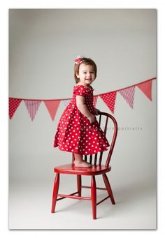 valentine's day mini session props - Google Search-- Simplicity. I need to get some banners/stools to match!