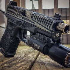 ・・・ This is a Steel Grater. Weapons Guns, Guns And Ammo, Glock Mods, 9mm Pistol, Custom Guns, 10 Seconds, Military Gear, Cool Guns, Pew Pew