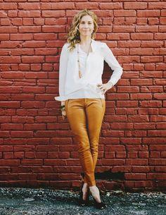 Elizabeth Mitchell Blond, Elizabeth Mitchell, You're Hot, Elisabeth, Lederhosen, Celebs, Celebrities, White Jeans, Leather Pants