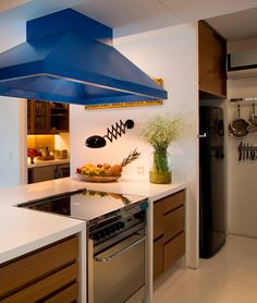 The charm of the blue hood kitchen. #decor #interior #design #kitchen #casadevalentina