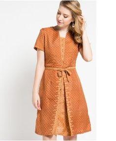 Model Dress Batik Modern Elegan Source by deboramountesso batik Floral Dresses With Sleeves, Simple Dresses, Pretty Dresses, Casual Dresses, Long Dress Fashion, Skirt Fashion, Fashion Dresses, Blouse Batik Modern, Model Dress Batik