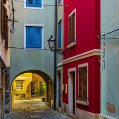 #piran #slovenia #travel #travel_greece #travel_europe #europe #igs_europe #ig_europe #living_europe #travel_drops #tv_europe #tv_travel #in_europe #travelshoteu #igslovenia #thisisslovenia #traditional #urban #explore #great_street_photos #city #traditional #alley #colours #urban #urban_exploration http://tipsrazzi.com/ipost/1507782711878917943/?code=BTsuGNMBJ83