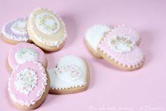 Donatella Semalo: Biscotti e zollette decorate...La vita continua...