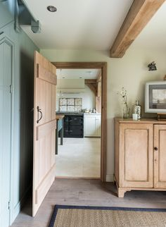Since 1980 Border Oak have specialised in the design and construction of exceptional bespoke oak framed buildings across the UK and abroad Architrave, Oak Framed Buildings, Show Home, House, Interior, Border Oak, Country Interior, Oak Frame House, Interior Design Magazine