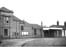Palace Gates Station Junction Road, North London, Old Photos, Gates, Palace, Transportation, Past, Mansions, House Styles