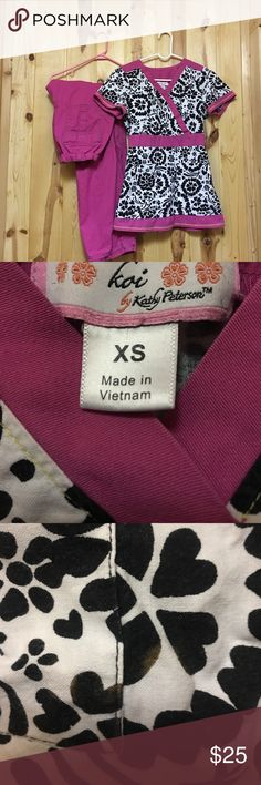 Koi Scrub Set XS Top XS Petite Pant GUC 1 Flaw The Top has 2 Front Pockets and Elastic in the back Top has Small bleach spot near Pocket otherwise very good Condition Pant is Lindsey Cargo Pant Koi Other