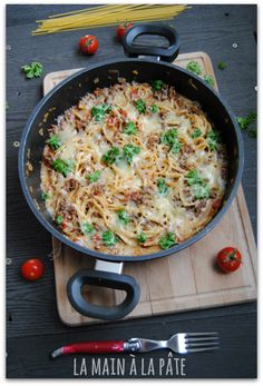The little who often saves me the bet when I do not know what to do to eat and that the hour turns, the one pot pasta! the hands-on… Pot Pasta Source by pinkpivoine Coconut Chicken Tenders, Pots, Keto Smoothie Recipes, Pot Pasta, Spaghetti Squash Recipes, Main Dishes, Chicken Recipes, Dessert Recipes, Dinner Recipes