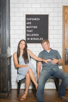 magnolia homes joanna gaines In a special episode of Fixer Upper, Chip and Jo renovate a century-old building at the recently opened Magnolia Silos, helping to fulfill one o Gaines Fixer Upper, Fixer Upper Joanna, Magnolia Fixer Upper, Magnolia Farms, Magnolia Market, Magnolia Homes, Joanna Gaines Style, Chip And Joanna Gaines, Chip Gaines