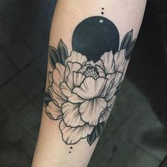 Thanks so much @lydia_mke !!! So much fun.  #minimalisttattoo #peonytattoo #floraltattoo #blackworkerssubmission #blackworkers #blackwork #tattrx #equilaterra #ladytattooers #lineworktattoo #dotwork #forearmtattoo #tttism