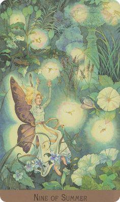 Victorian Fairy Tarot - Lunaea Weatherstone, Gary A. Lippincott Beautiful artwork, nice details. Love :)