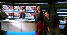 Winn Schott  & Papa Bear (J'onn J'onzz) - Jeremy Jordan & David Harewood - Supergirl CW