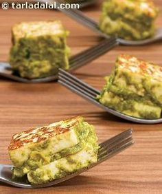 Hara Tava Paneer ( Healthy Starter Recipe ) Step-by-step, this recipe will trigger all your good senses… because, not only is the paneer marinated in tangy green chutney, it is also layered with a spicy corn mixture. Paneer Recipes, Veg Recipes, Indian Food Recipes, Vegetarian Recipes, Snack Recipes, Cooking Recipes, Paneer Snacks, Jain Recipes, Cooking Fish