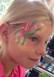 facepaint eyedesign flower De Kindercarrousel