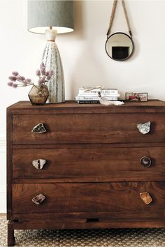 Old knobs or drawer pulls Mineral or rock slices or pieces- E-6000 glue-Low-adhesive painter's tape.