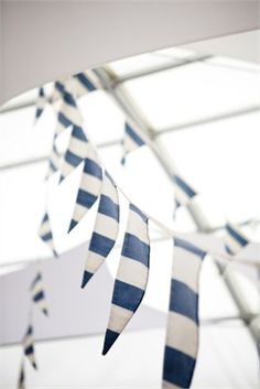Blue and white striped garland. Perfect for a party on the beach!