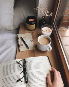 Inspiration❤ - Book and Coffee Autumn Aesthetic, Book Aesthetic, Aesthetic Coffee, Aesthetic Photo, Quotes Literature, Tableaux D'inspiration, Diy Bathroom, Coffee And Books, Coffee Study