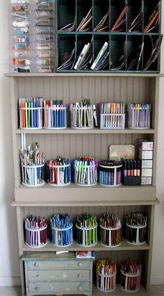 colorful arrangement in pen racks! #organizepens #organizepencils Art Storage, Craft Room Storage, Office Organization, Storage Ideas, Craft Rooms, Storage Shelves, Organizing School, Stationary Organization, Makeup Storage