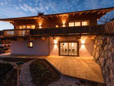 Chalet Wegmacher Alpine Lodge, Mountain Homes, Kirchen, Exterior, Mansions, House Styles, Booking Com, Cabins, Milan