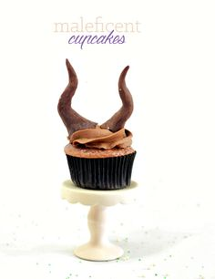 Maleficent Cupcakes and horn are made with edible chocolate!  The entire recipe only requires 5 ingredients, including the horns!