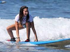 """Il mio sport preferito è il Surf: intanto perché adoro il mare e l'acqua salata, e poi la sensazione di libertà che provo tra le onde è una scossa di adrenalina, una """"droga"""" di cui non posso fare a meno!"""