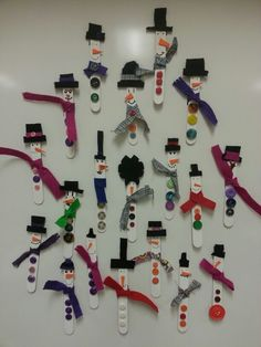 Snowman magnets - winter craft activity, or maybe for bulletin board? early December craft?