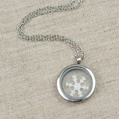 Floating Snowflake Locket 11/24/2015 | 1 Comment