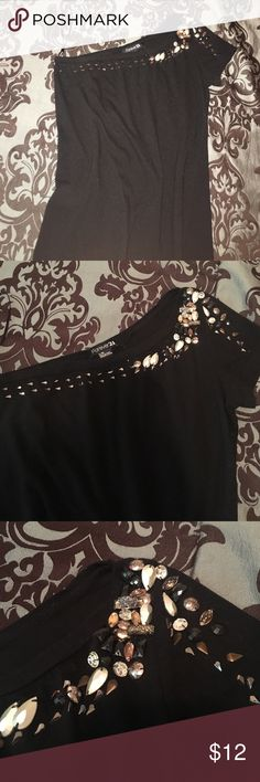 Forever 21 shirt! Medium/large👍 Forever 21 gold/ black gems top. One shoulder, size Large but fits more like a loose Medium. Gently loved black shirt. If any questions feel free to ask😊 Forever 21 Tops Blouses