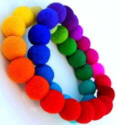 #Rainbow #colors ToniK ❖de l'arc-en-ciel❖❶ #felt necklace www.etsy.com/listing/34933834/spectrum-bubbles-a-spectacular-necklace