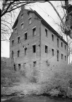 During the Civil War, the largest employer in Lenoir City, TN was a cotton mill… History For Kids, Us History, American Civil War, American History, Lenoir City, Confederate States Of America, Union Army, Civil War Photos, Interesting History