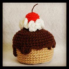Pastelito de #ganchillo. Más fotos e info en mi blog: LasManualidadesDeRita.wordpress.com o a través instagram @lasmanualidadesderita #amigurumi #crochet