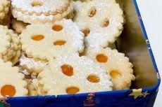 Punschkekse - Rezept | GuteKueche.at A Food, Good Food, Food And Drink, Christmas Baking, Christmas Treats, Deutsche Desserts, German Desserts, Shortbread, Macaroons