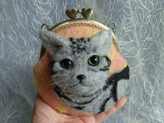 Needle felting cat face / /Handfelted pouch//tabby cat green eyes//American Shorthair//applique