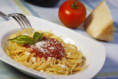 Najlepšie omáčky na špagety Spaghetti, Food And Drink, Fit, Ethnic Recipes, Lasagna, Shape, Noodle