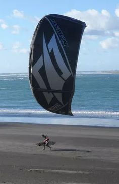 New Zealand's stunning coastal and lakeside scenery makes windsurfing or kitesurfing all the more enjoyable. New Zealand Adventure, Surfing Tips, Bay Of Islands, Sup Surf, Water Photography, Windsurfing, Big Waves, Places Around The World, Rafting