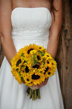 i love sunflowers, they will definitely be in my bouquet for my grams
