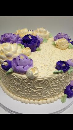 Pretty purple and ivory buttercream Cake!