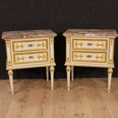 1300€ Pair of Italian lacquered and gilded bedside tables with marble top. Visit our website www.parino.it #antiques #antiquariato #furniture #golden #antiquities #antiquario #comodino #tavolino #nightstand #table #night #decorative #interiordesign #homedecoration #antiqueshop #antiquestore